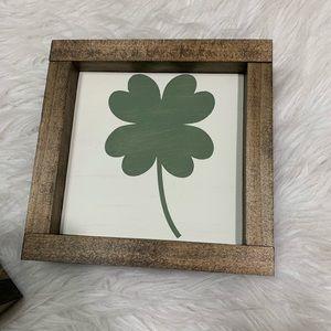St. Patrick's Day Four Leaf Clover Farmhouse Sign
